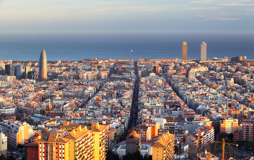 Barcelona declara toda la ciudad como zona de tanteo y retracto para adquirir solares de manera preferente