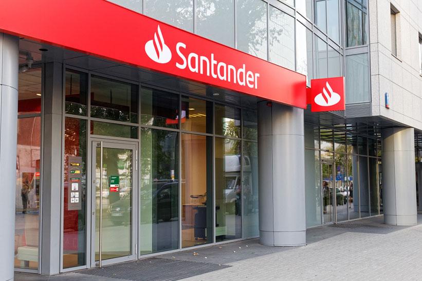 Cerberus completa la compra a Santander de una cartera de 35.000 pisos por 1.535 millones